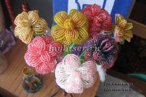 thumbs r6 Букет роз из бисера