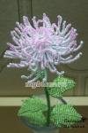 Хризантема розовая из бисера